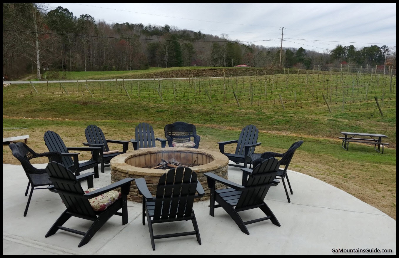 Bear Claw Vineyards - GaMountainsGuide.com