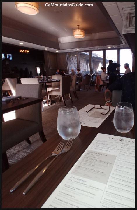 The Oaks Lakeside Kitchen - GaMountainsGuide.com
