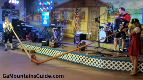 Helen-Oktoberfest-Music-Traditional-German-Alphorn
