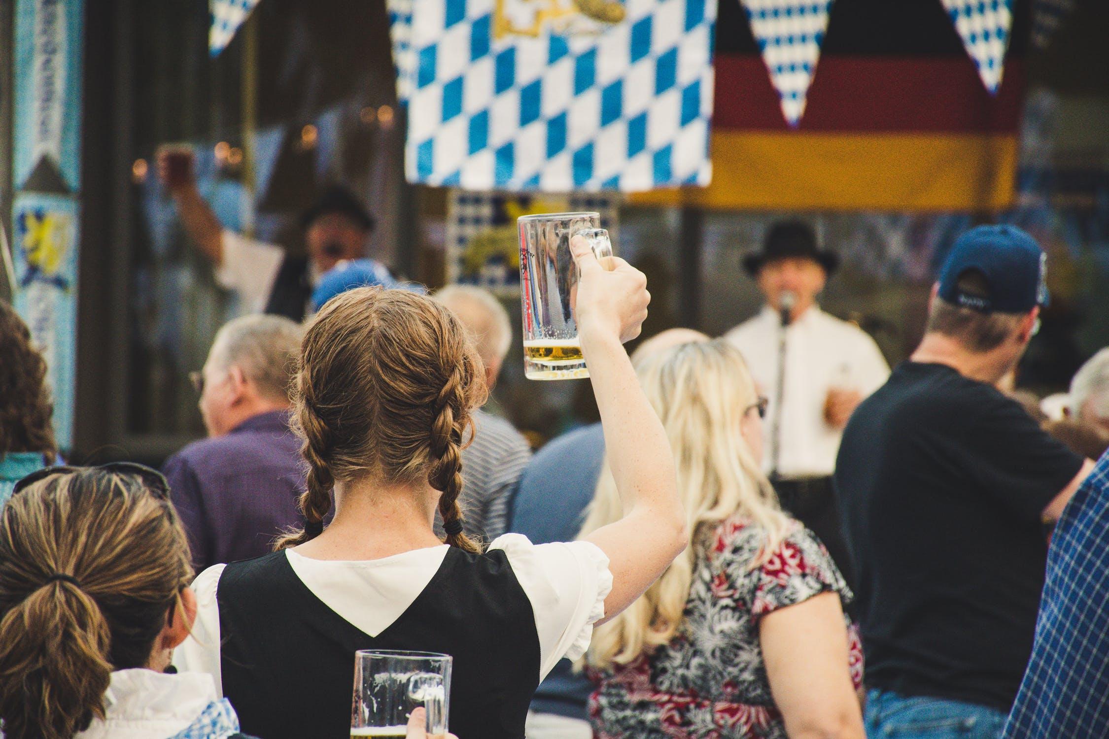 oktoberfest-girl-braids-beer-band