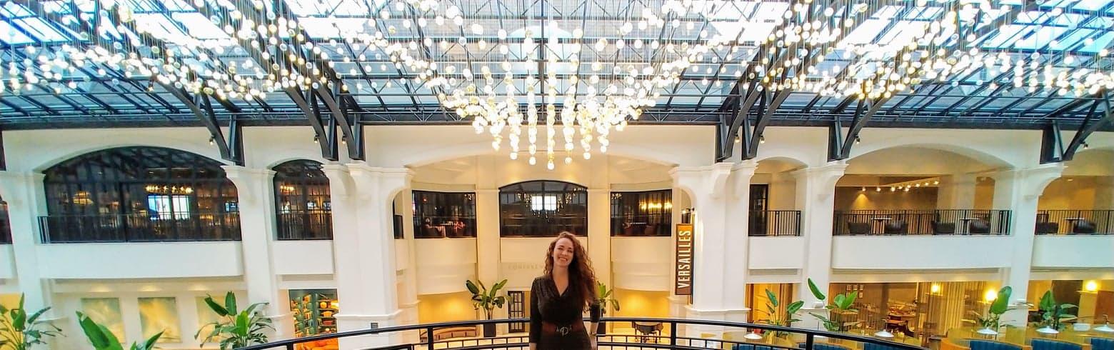Alyce-at-Chateau-Elan-Atrium-Lights-2020-09-23