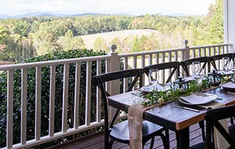 Dining at Dahlonega Resort - photo credit dahlonegaresort.com