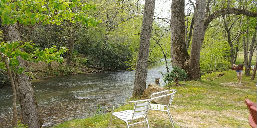 Ellijay-River-Vineyards-on-Ellijay-River